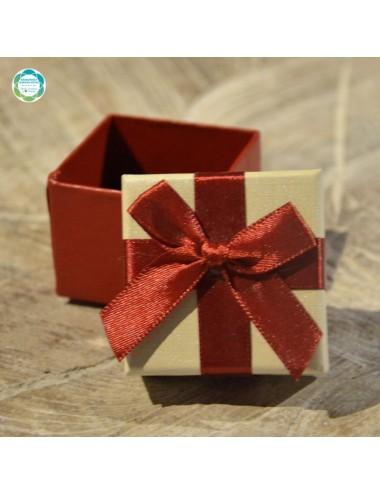 Kwadratowe pudełko na...