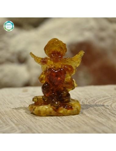 Figurka z bursztynu - Aniołek